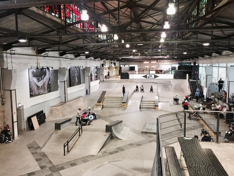 Skatehalle zum Rollstuhl-Skaten in Berlin